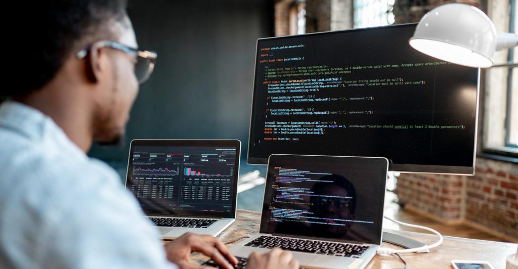 The Top 5 Benefits of Outsourcing Software Development