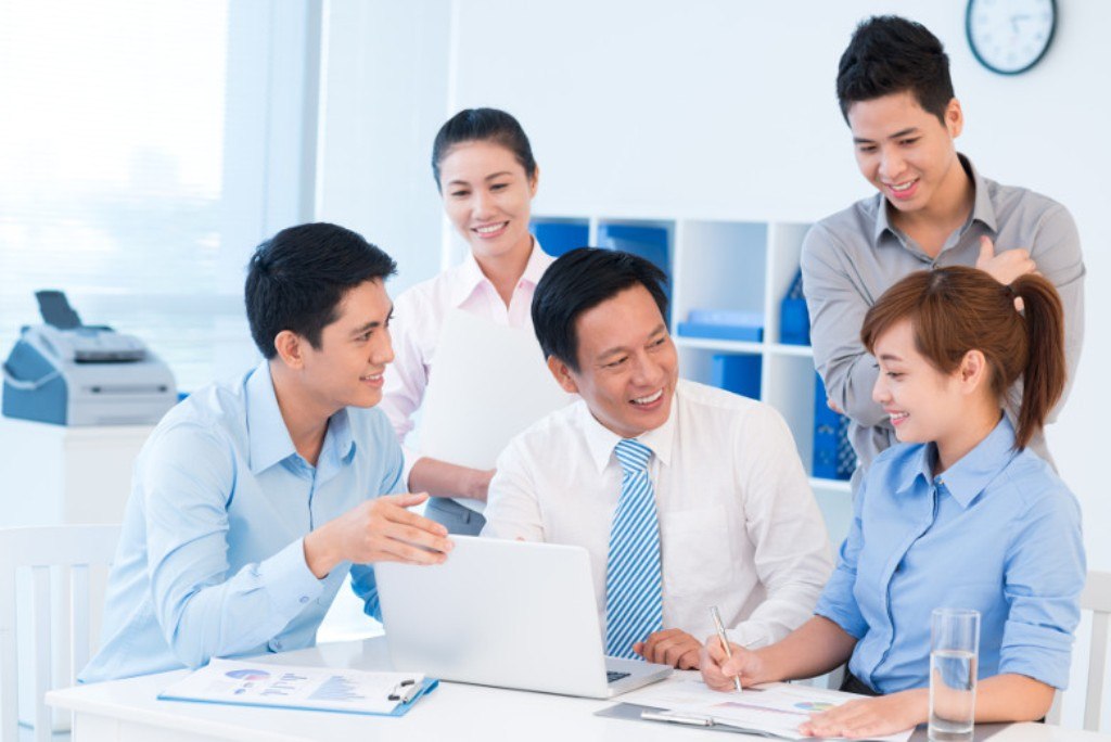 Why You Should Engage a Corporate Service Provider