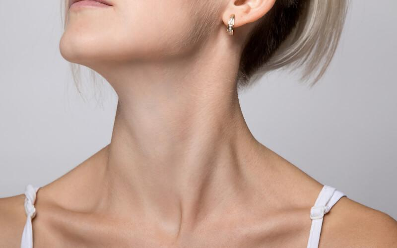 9 Ways to Get a Younger Looking Neck Without Surgery