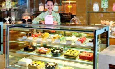 Cake Shop in Singapore Goes Online, Adapting with Technology