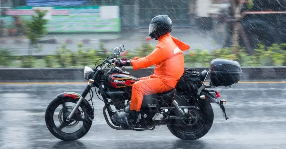 4 Important Tips for Riding Your Motorcycle in the Rain