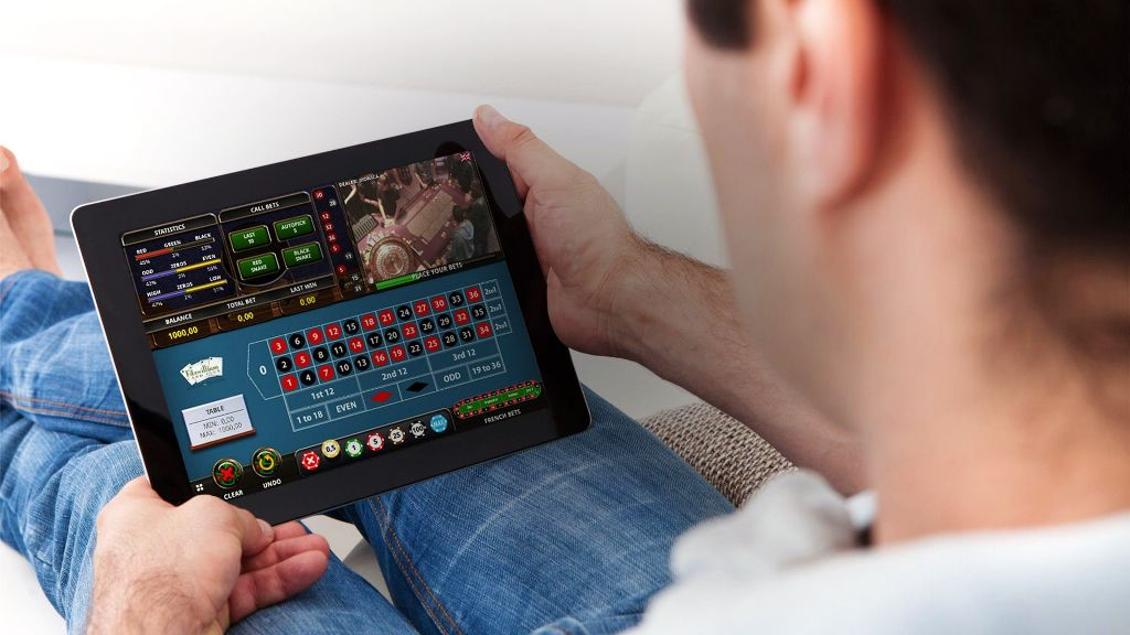 How to Take the Right Approach and Play Smart with Online Casinos