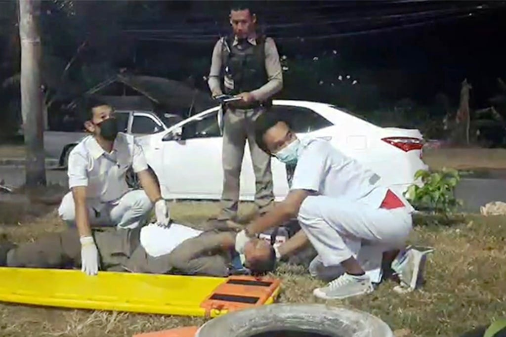 Man Crashes Security Checkpoint Injuring Police Officers and Soldier, Southern Thailand