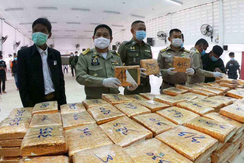 Nearly Half a Tonne of Marijuana Seized on the Banks of the Mekong