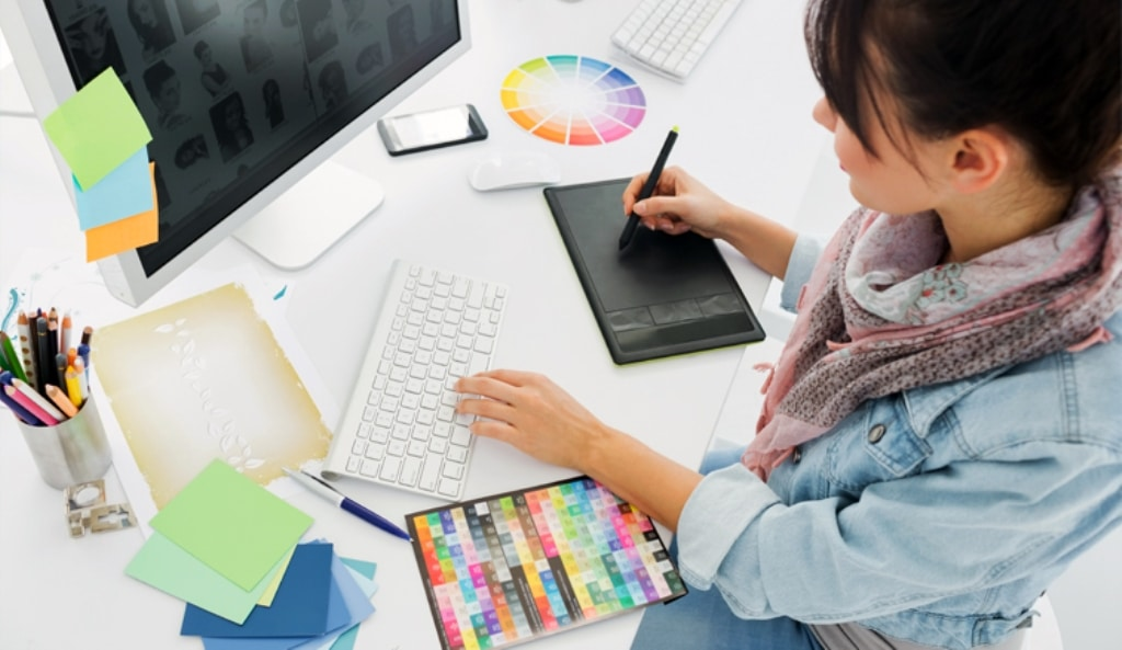 Pandemic Pushes Graphic Design Course Online in the United Kingdom
