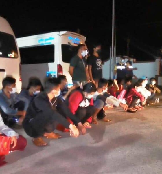 Van Drivers Busted Transporting Illegal Migrants to Samut Sakhon
