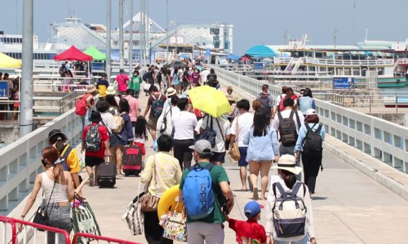 Thailand, Island, Tourists, Holdidaymarkers, eastern seaboard
