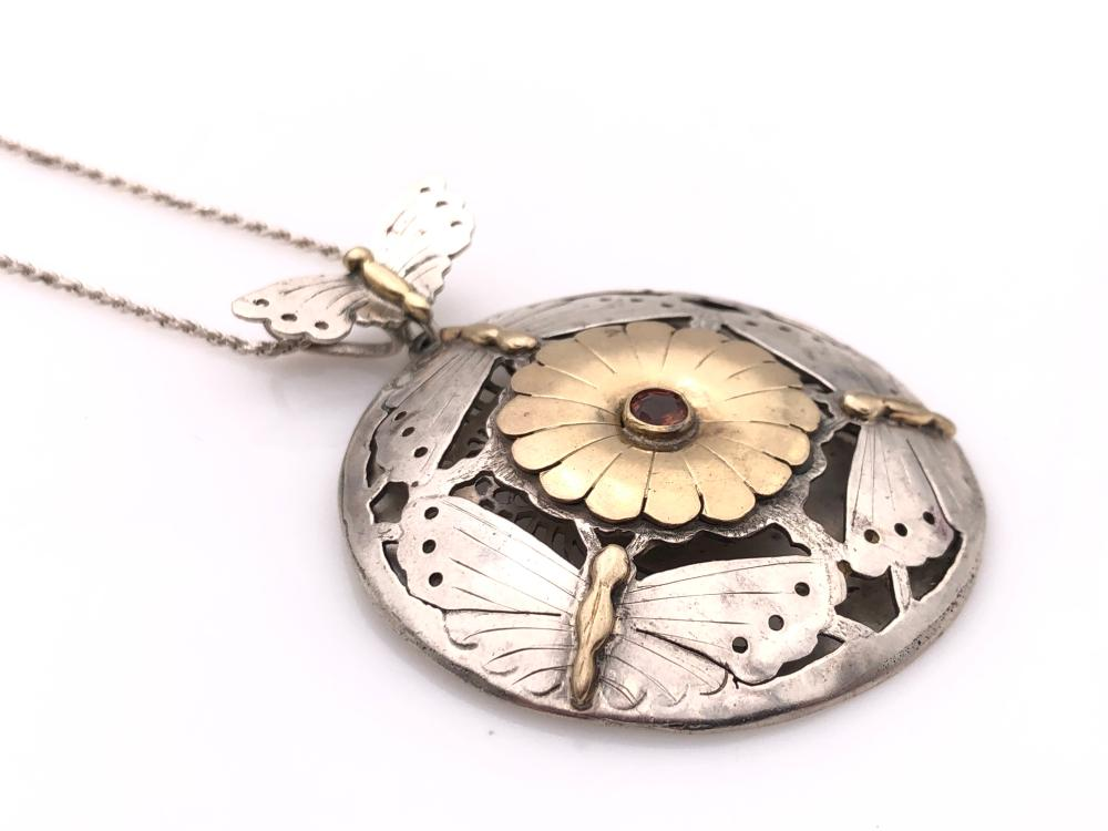 Chvker Introduces Whimsical Enchanted Gold Butterfly Necklace