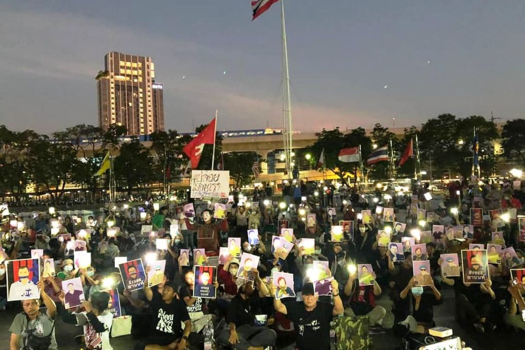 Demonstrators Continue Protests Despite Ban on Public Assembly