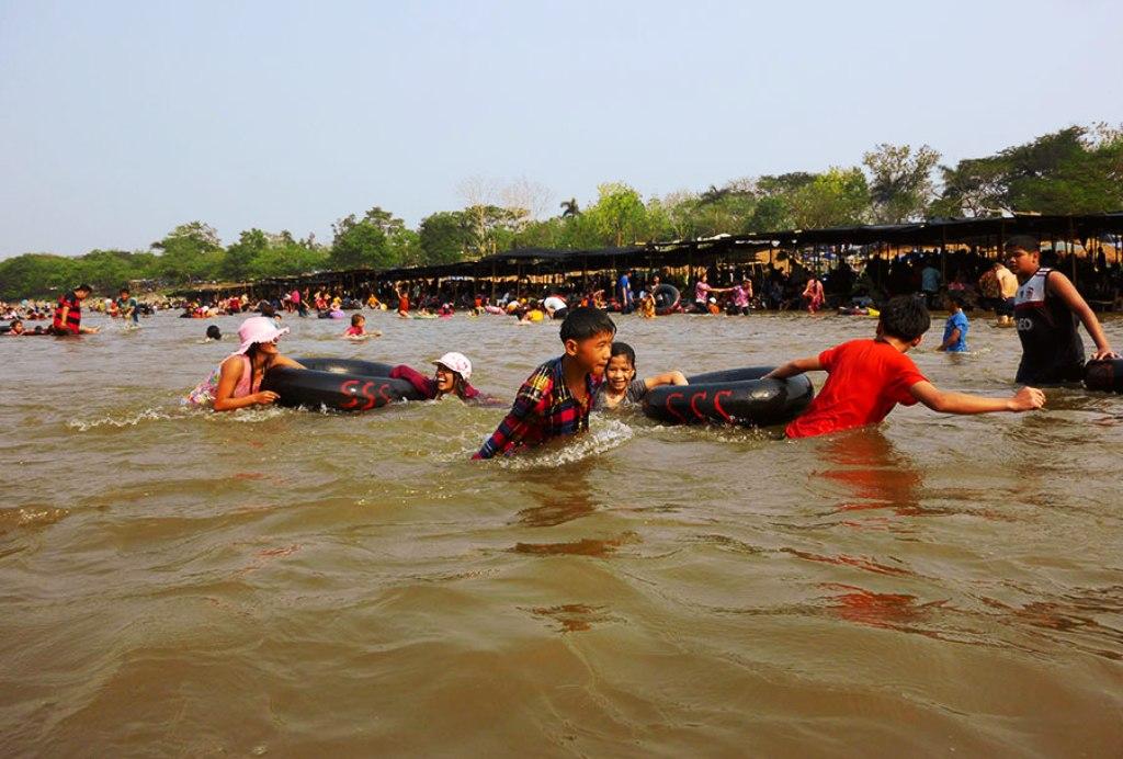 Chiang Rai, heatstroke,Health Officials Warn Over the Summer Heat in Northern Thailand