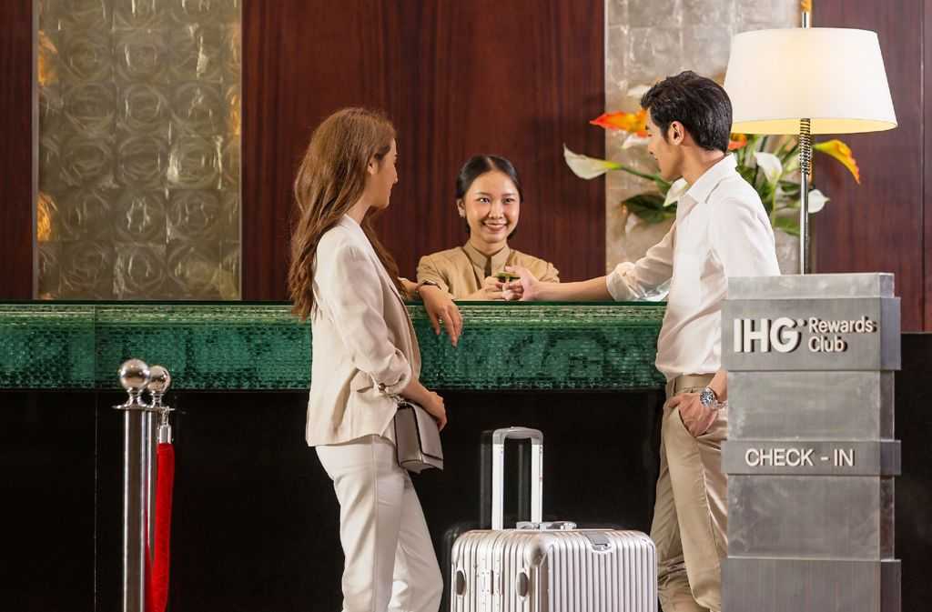 Hotels Desperate for Business in Chiang Mai Cut Rates up to 90%