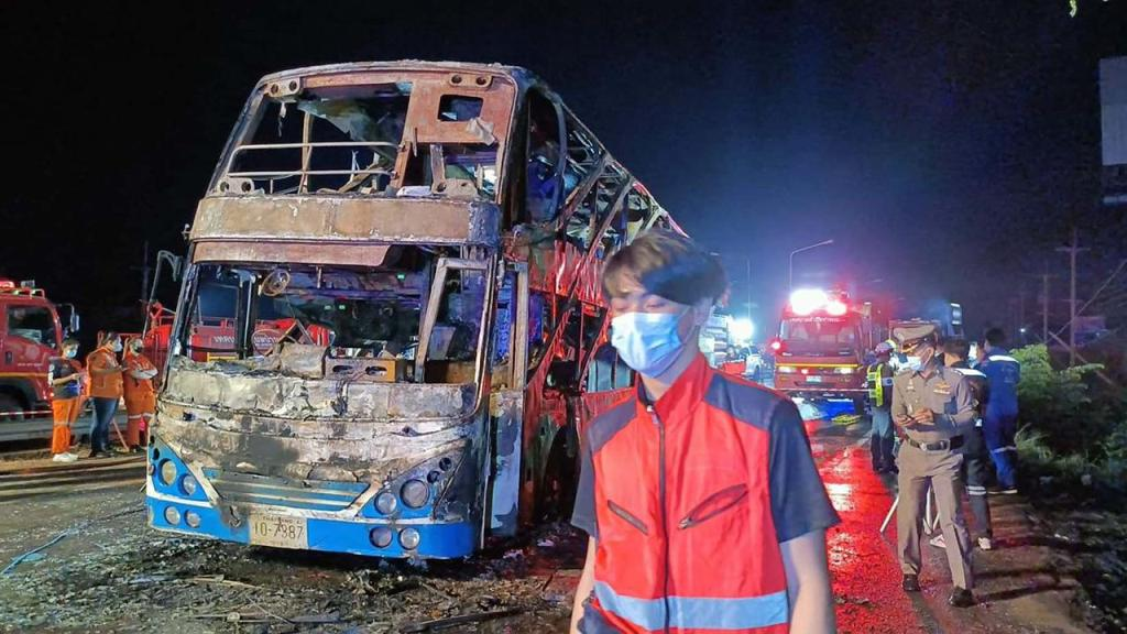 3 Passengers and 2 Children Burned Alive in Double-Decker Bus Fire