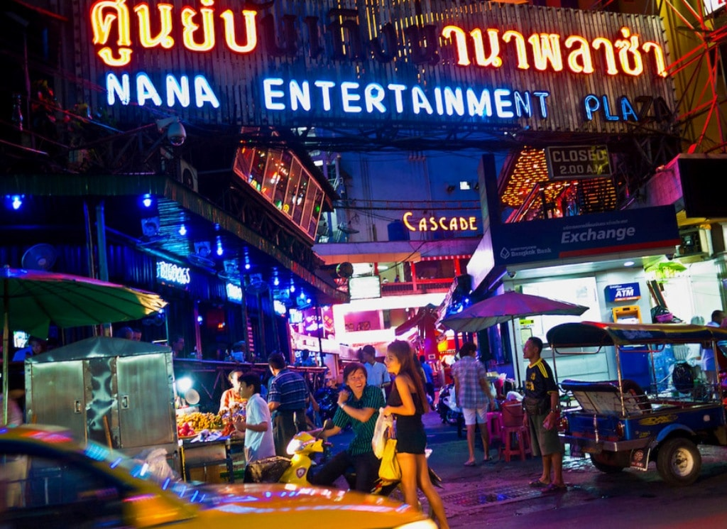 Bangkok Governor Orders Almost 200 Entertainment Venues Closed
