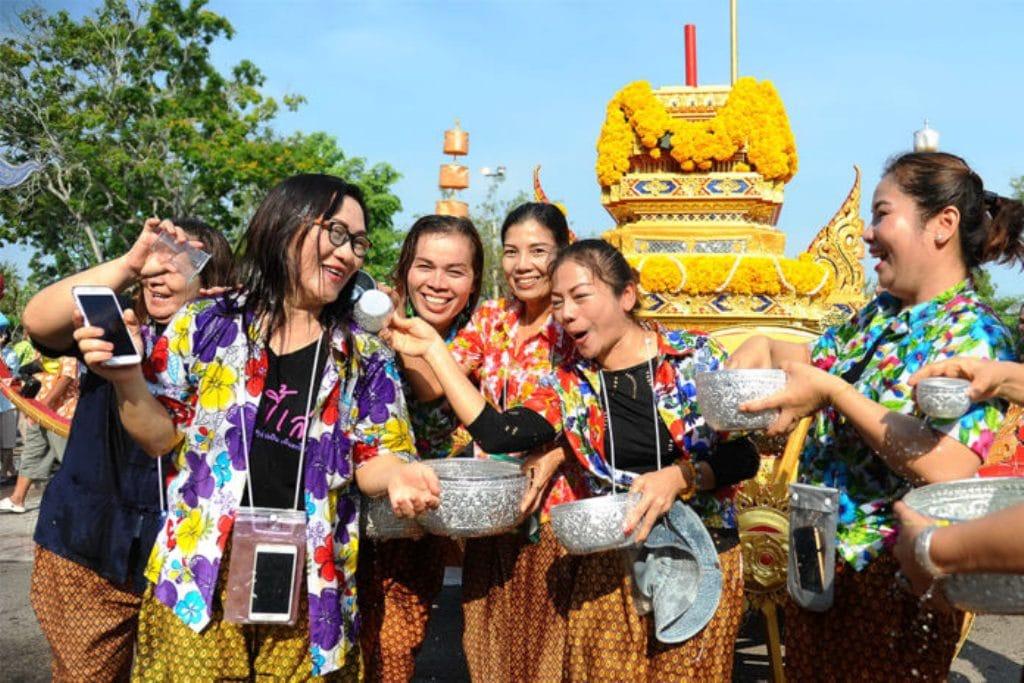 Once Again Covid-19 Ends Songkran Festival Activities in Bangkok