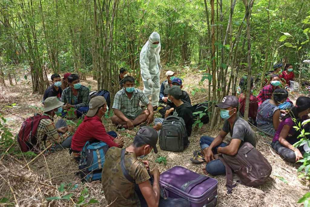 Thailand Crackdowns on Illegal Foreign Workers Jumping its Borders