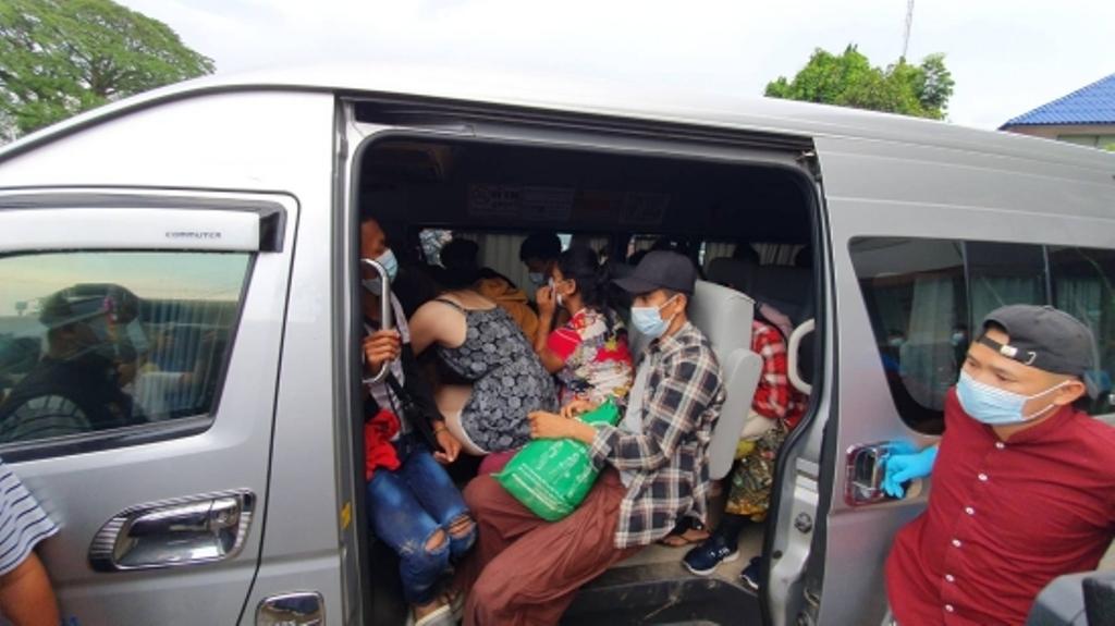 Chiang Rai Police Bust Vans Transporting 42 Illegal Myanmar Migrants