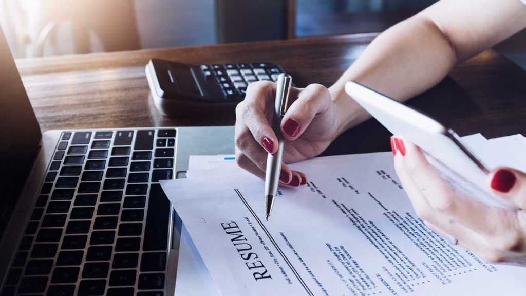 6 Things to Consider When Dealing With Resume Writing Services
