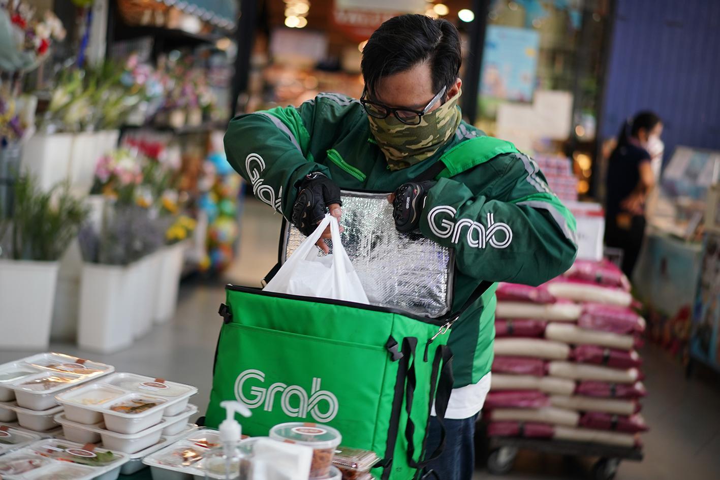 eateries, Restaurants Struggling After Indoor Dining Banned in Bangkok