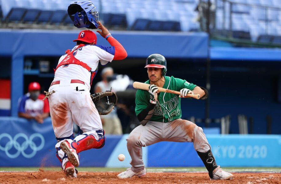 Baseball-U.S. Thrash Israel 8-1, Dominican Republic Down Mexico