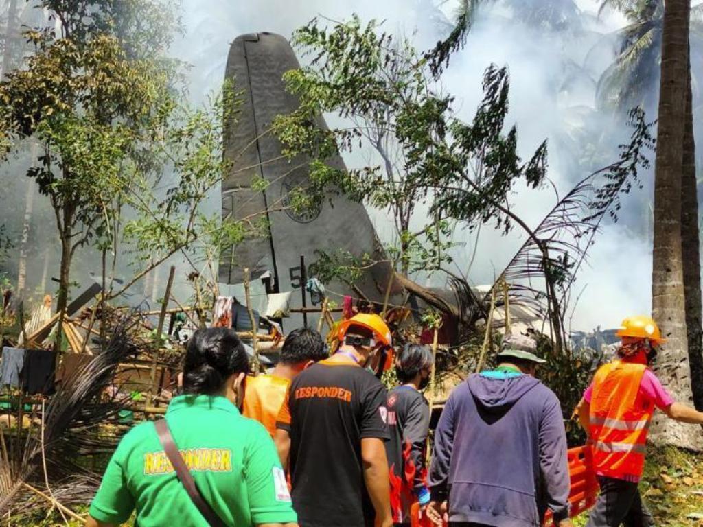 Philippine Air Force C-130 Airplane Crashes Killing 43 Passengers