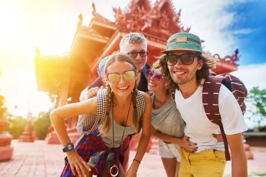 """The Benefits of a Vacation Tour """" VacayTrends"""" May Be of Assistance"""