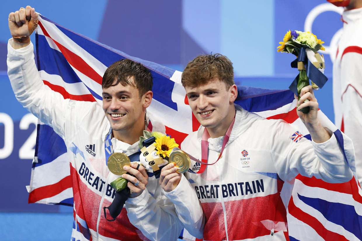 U.K.'s Tom Daley Wins Olympic Diving Gold Medal to Add to Husband's Oscar Award
