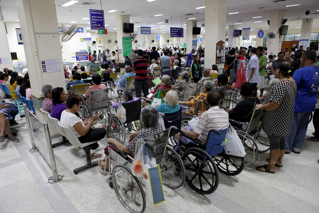 Hospitals in Greater Bangkok Area Overwhelmed With Covid-19 Cases