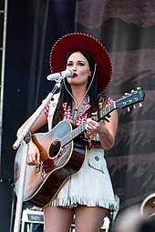 How did Kacey Musgraves get popular?