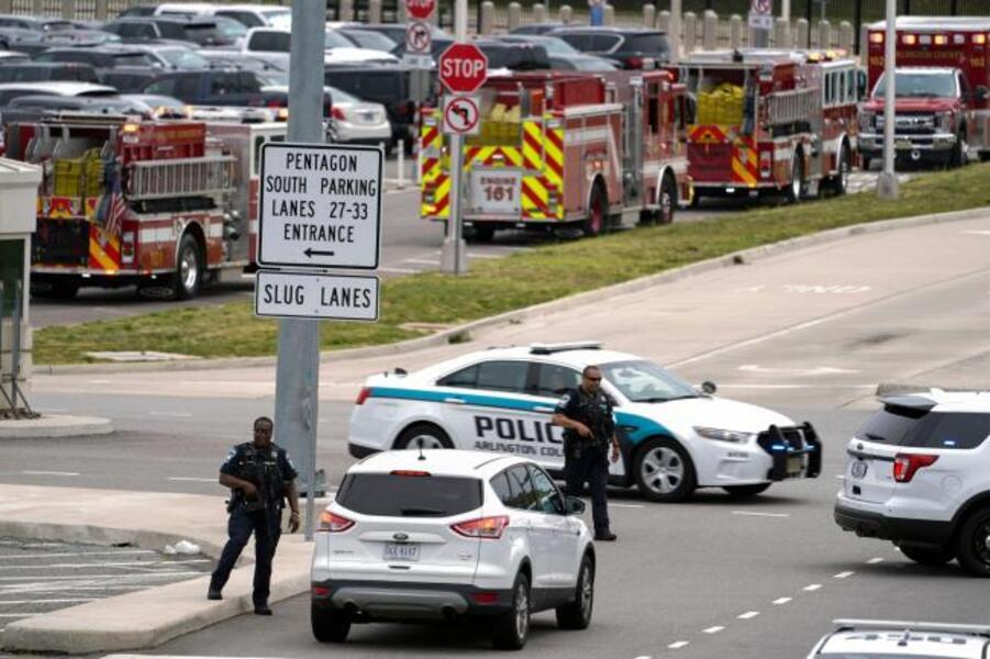 Pentagon News : Officer Dead, Suspect Killed in Violence Outside Pentagon