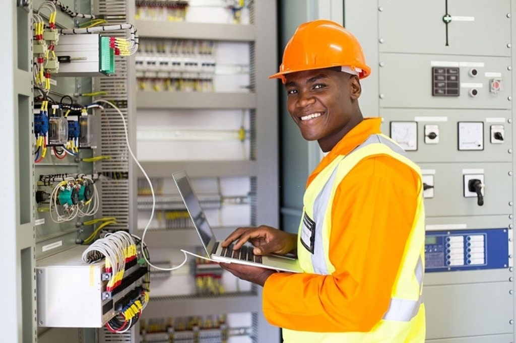 When Should You Call a Commercial Electrician and Why