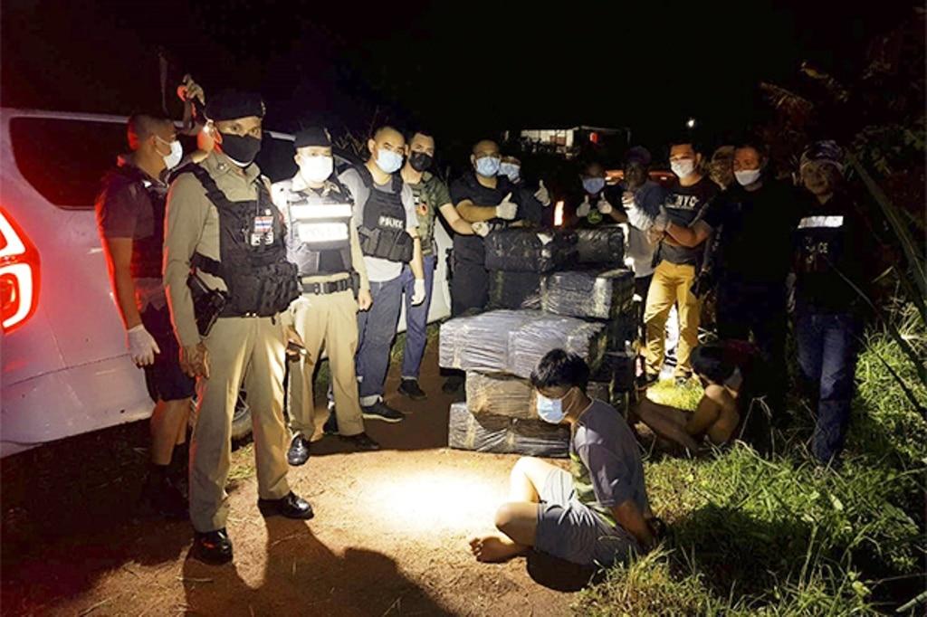 Police, Smugglers Busted in Hyundai H1 Van with 550 kilograms of Ganja