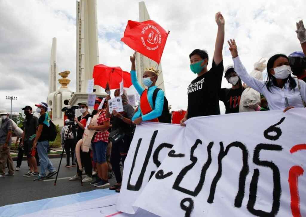 Thailand, China's Sinovac Vaccine in the Crossfire of Protests in Thailand