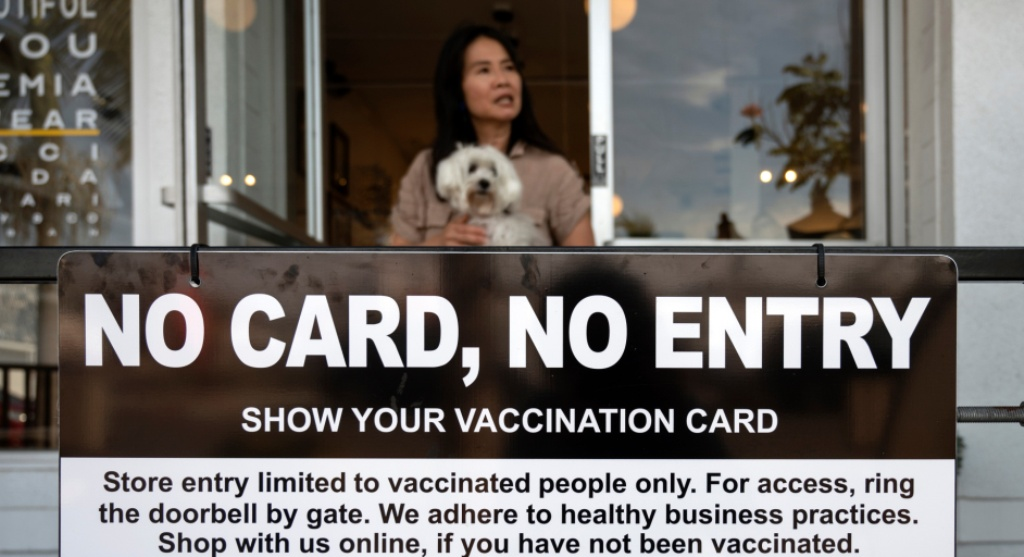 Health, Thai Government Ponders Color Coded Vaccination Cards