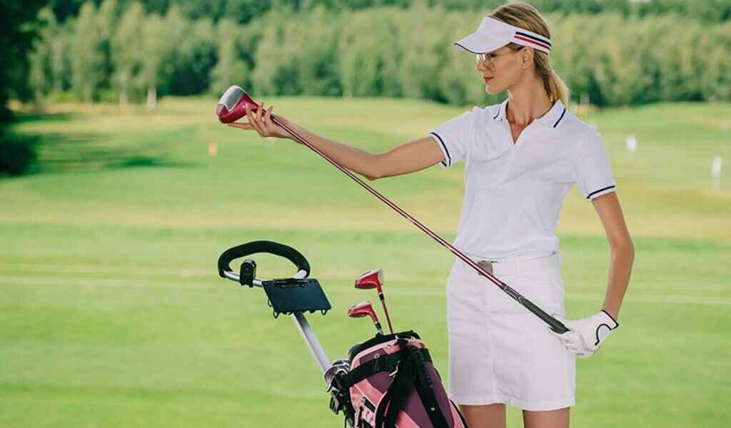 Top 6 Petite Womens Golf Clubs of 2021