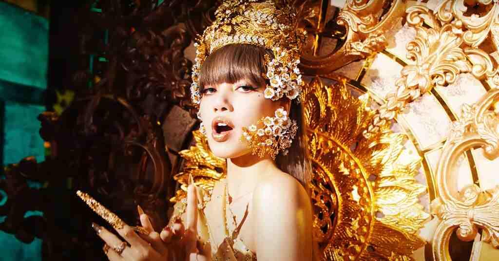 video, Thai Lalisa K-Pop Fan's Race to Buy Thai Golden Headdress