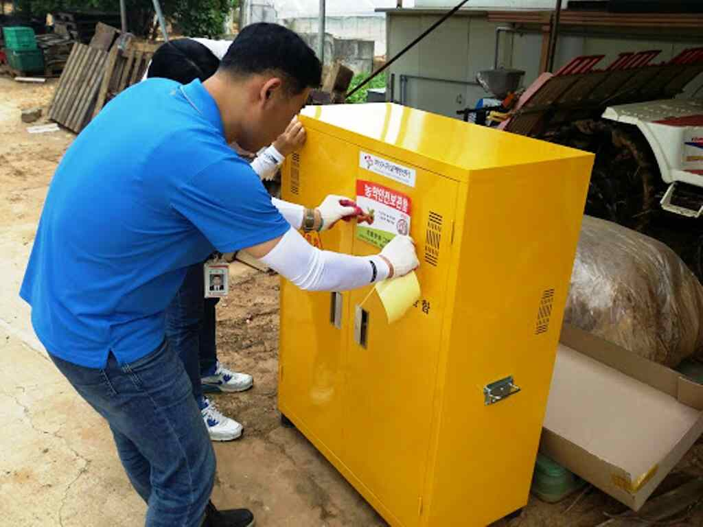 How COSHH Cabinets Keep Pesticides and Agrochemicals Secure