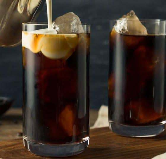 4 Simple Steps to Make Thai Iced Coffee (Oliang) At Home