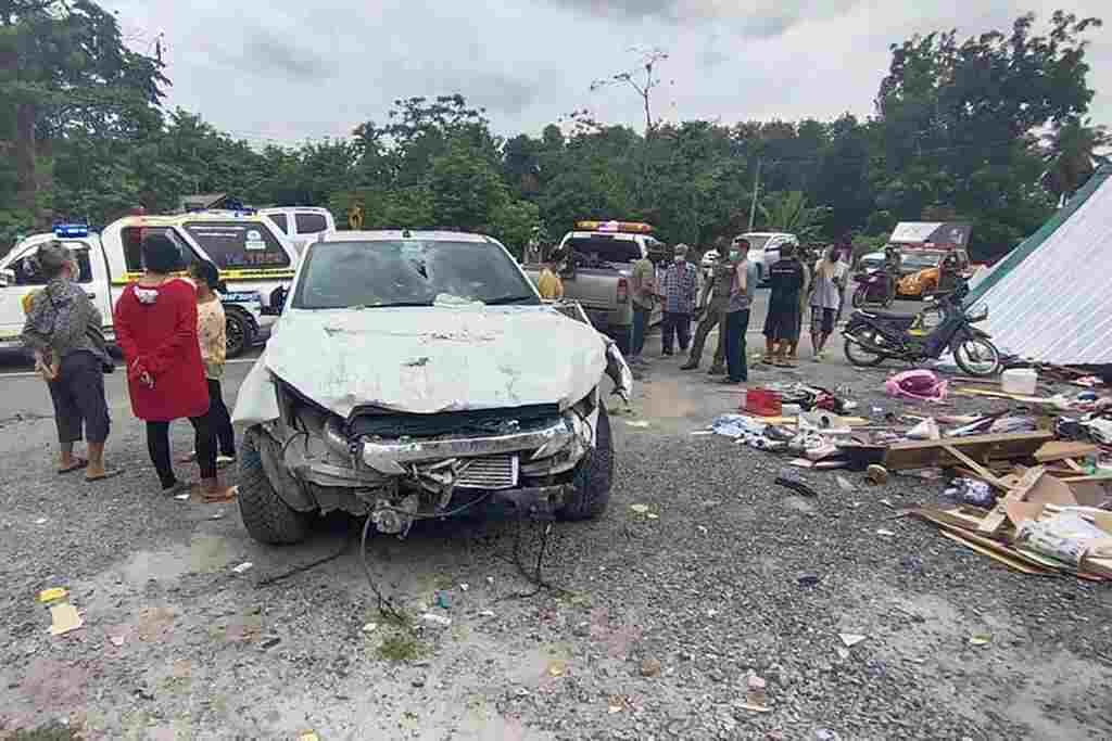 toyota-pickup truck -crash-insurance