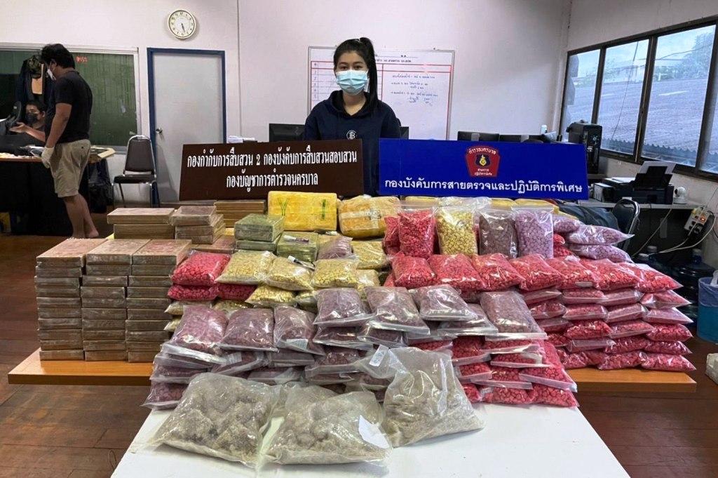 police-cargo van-thailand